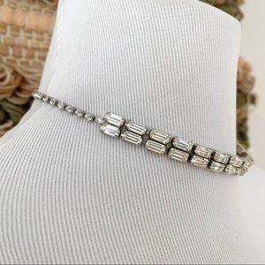 🎉5/20 SALE🎉 vintage rhinestone choker necklace